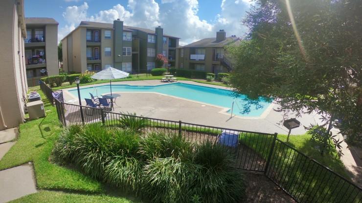 3 Swimming Pools